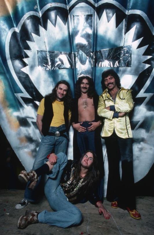 Black Sabbath: Tony Martin (p. 12) - Página 4 Black_15