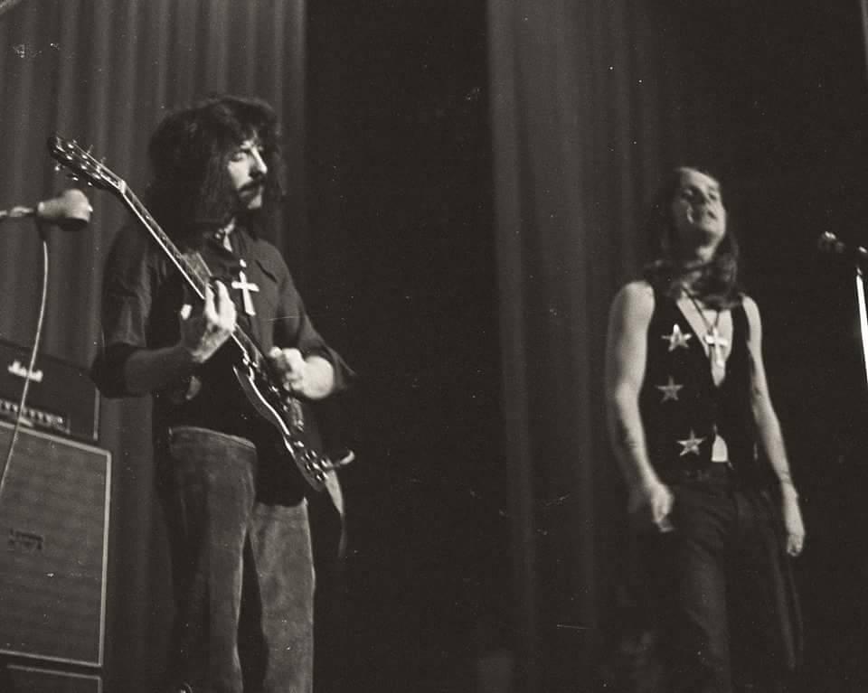 Black Sabbath 50: Legado - Página 18 Black_82