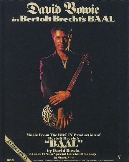 ★ DAVID BOWIE - Discografía confitada  ★  Tonight (1985) y Never let me down (1987). Un mal día lo tiene cualquiera. - Página 18 Bookle11