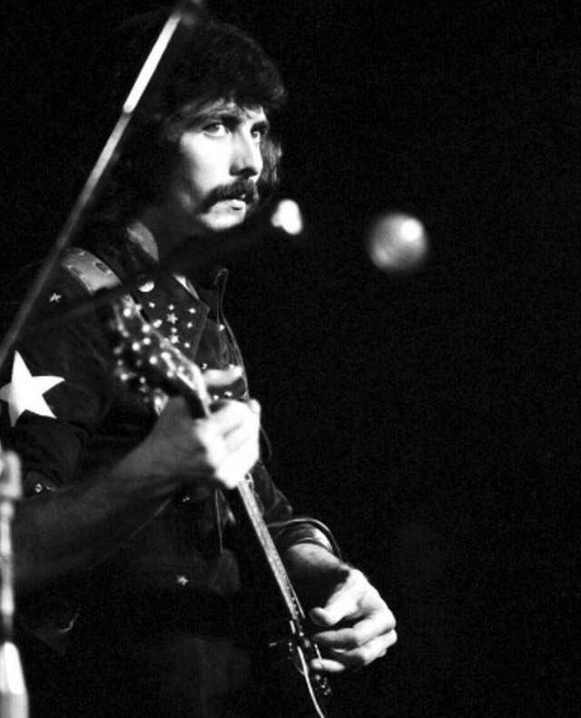 Black Sabbath: Tony Martin (p. 12) - Página 6 Cmso4010