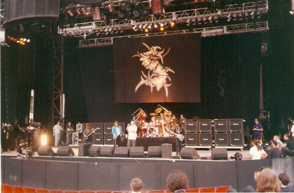 Black Sabbath: Tony Martin (p. 12) - Página 6 Costa_10