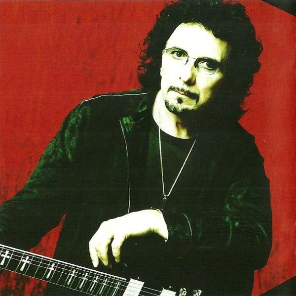 Black Sabbath: 13, 2013 (p. 19) - Página 7 Iommi_13