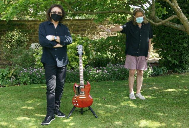 Black Sabbath 50: Legado - Página 18 Iommi_20
