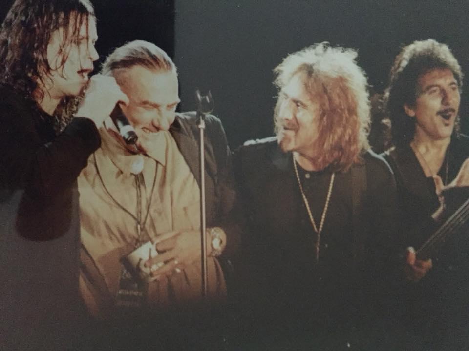 Black Sabbath: Tony Martin (p. 12) - Página 3 Ozzfes15