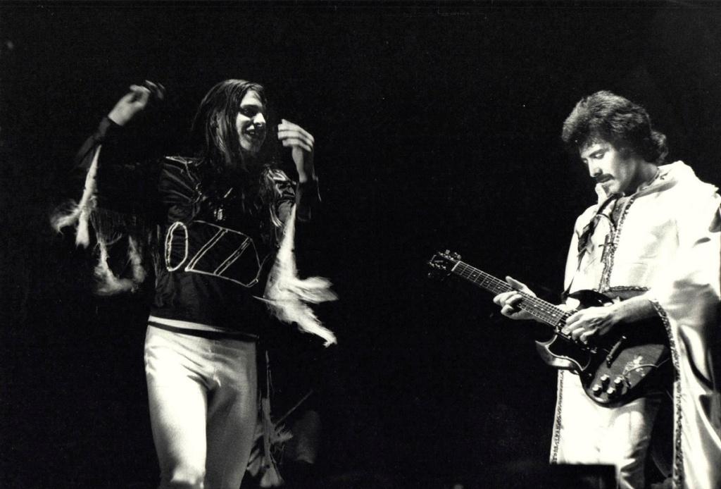 Black Sabbath 50: Legado - Página 17 Ozzy_o18
