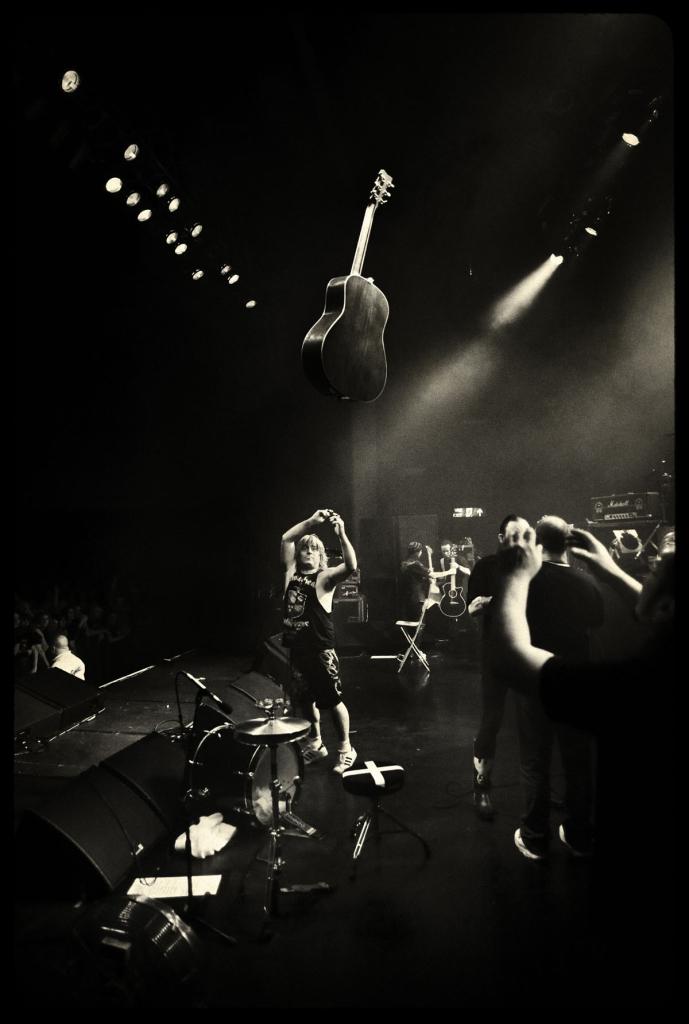 Black Sabbath 50: Legado - Página 4 Phil_c10