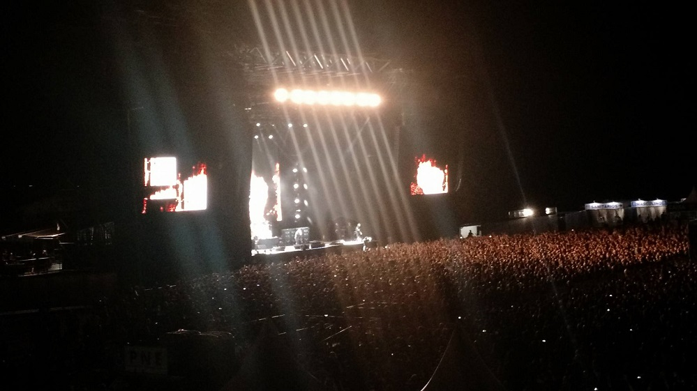 Black Sabbath: The End (2014-17) Porto_10