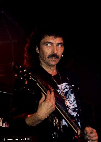 Black Sabbath: 13, 2013 (p. 19) - Página 12 Tony-i11
