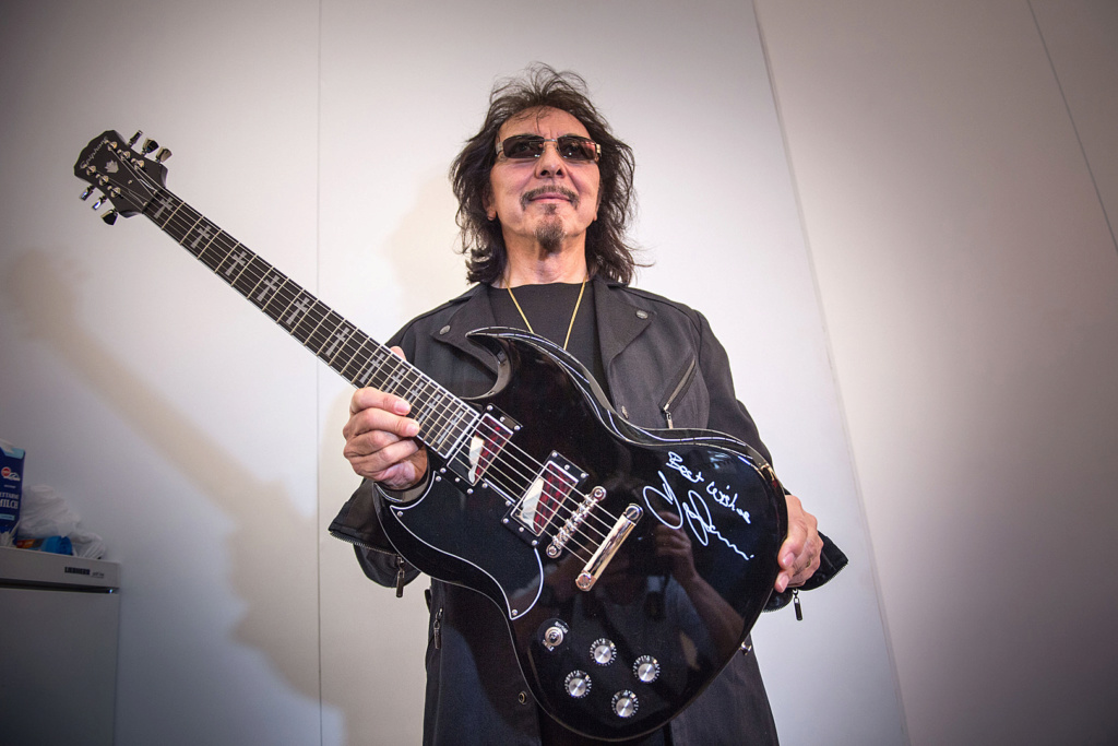 Black Sabbath 50: Legado - Página 4 Tony-i13