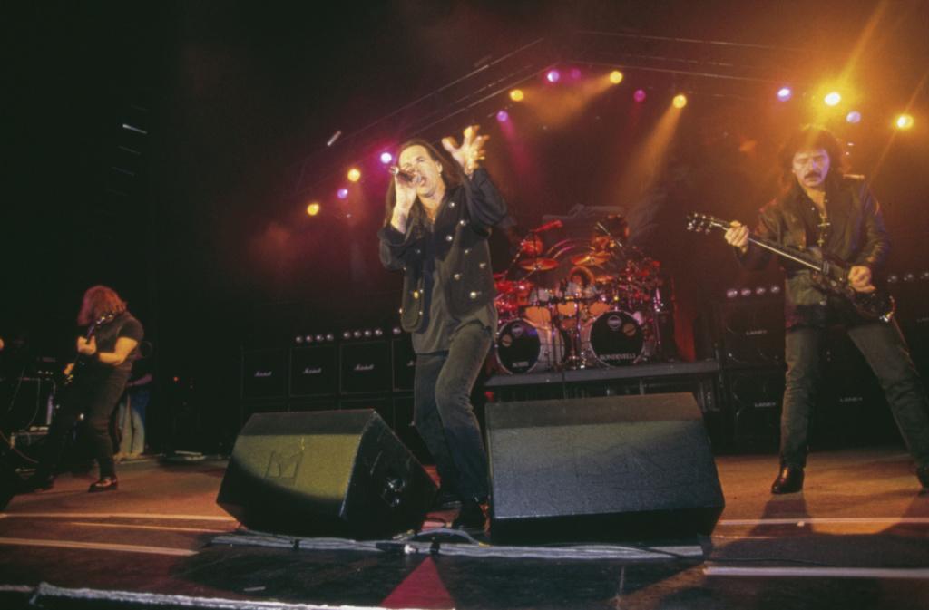 Black Sabbath: 13, 2013 (p. 19) - Página 12 Tony-m11