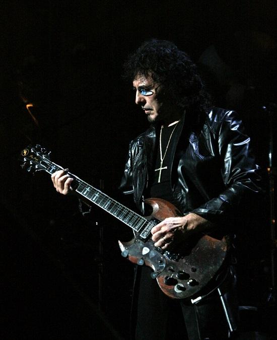 Black Sabbath 50: Legado - Página 4 Tony_i21