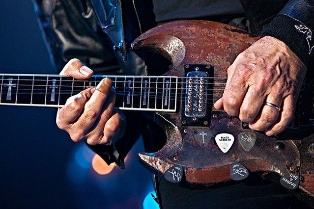 Black Sabbath 50: Legado - Página 4 Tony_i22