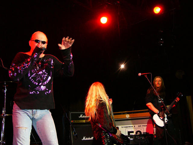 Black Sabbath: Tony Martin (p. 12) - Página 14 Tony_m12