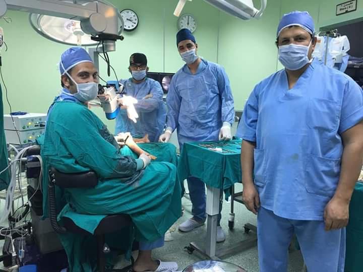 اطباء الأزهر ينجحون بعملية جراحية دقيقة لإعادة بناء المفصل الوركى لمريض Eeeoee74