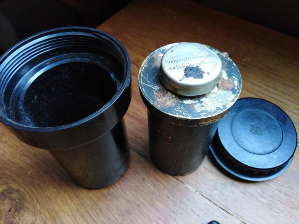 Container bakélite pour fusée d'obus allemande ?  Img_2202