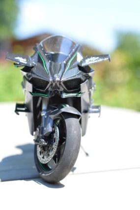 Kawasaki Ninja H2R Tamiya 1/12 Dsc_0110