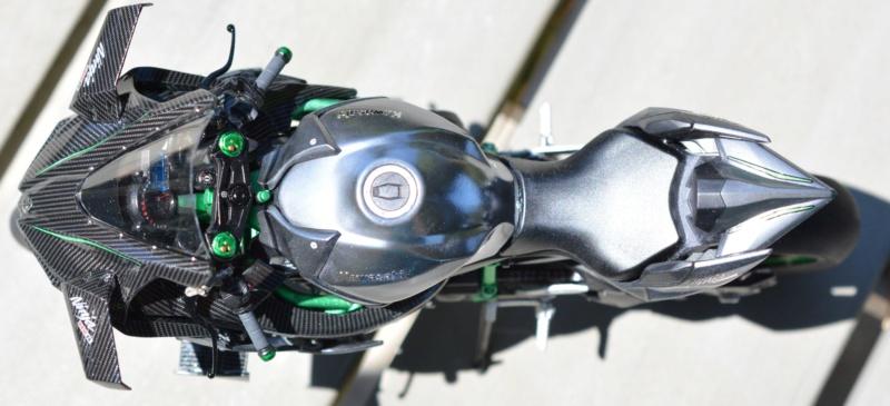 Kawasaki Ninja H2R Tamiya 1/12 Dsc_0113