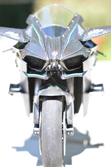 Kawasaki Ninja H2R Tamiya 1/12 Dsc_0115