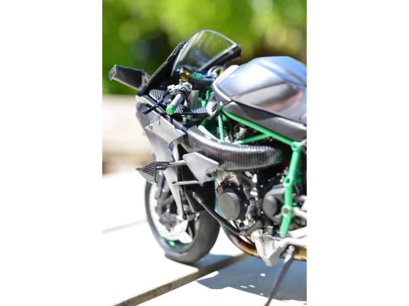 Kawasaki Ninja H2R Tamiya 1/12 Img_2028