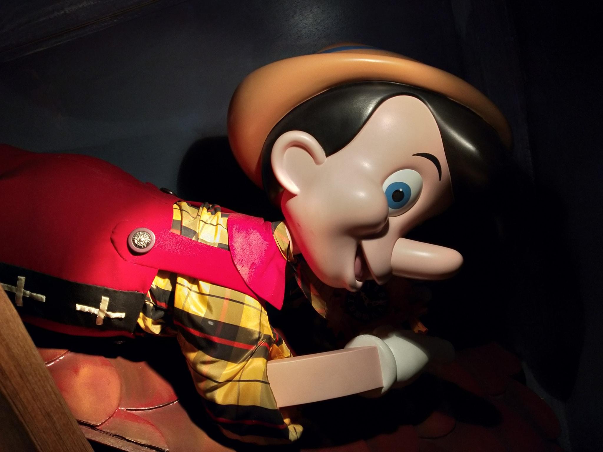 Curiosità e piccoli segreti al Disneyland park - Pagina 7 00119