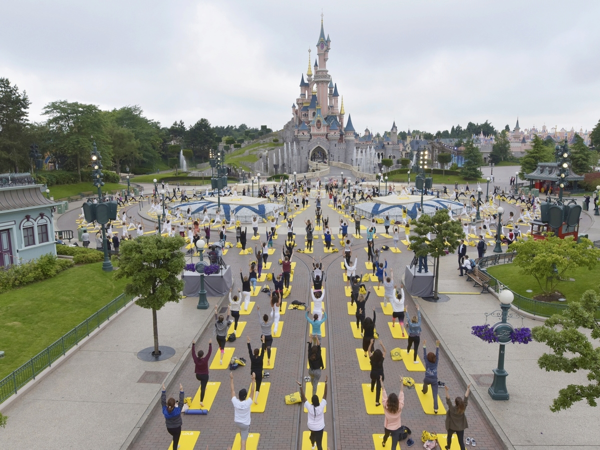 Yoga Day : un corso di yoga a Disneyland Paris !  002yog11