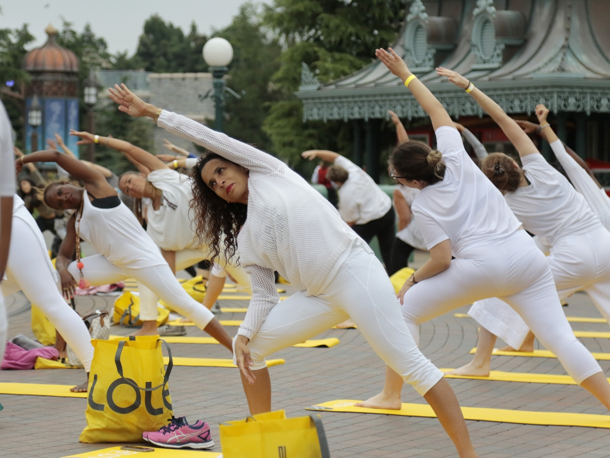 Yoga Day : un corso di yoga a Disneyland Paris !  006yog10