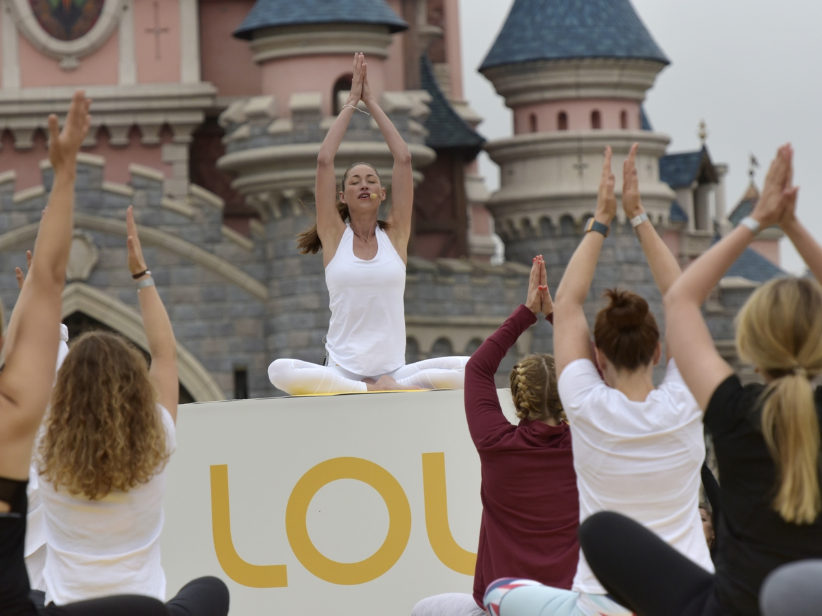 Yoga Day : un corso di yoga a Disneyland Paris !  013yog10