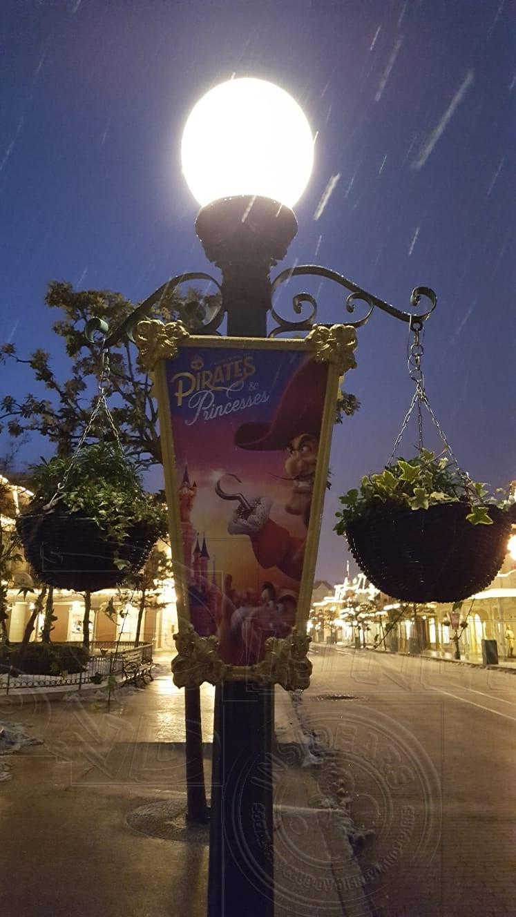 2018 - Disneyland Paris sotto la neve - Pagina 4 01neve13