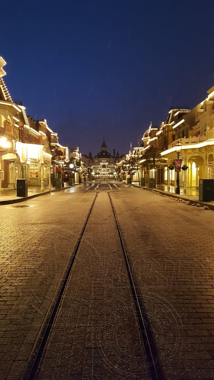 2018 - Disneyland Paris sotto la neve - Pagina 4 01neve18