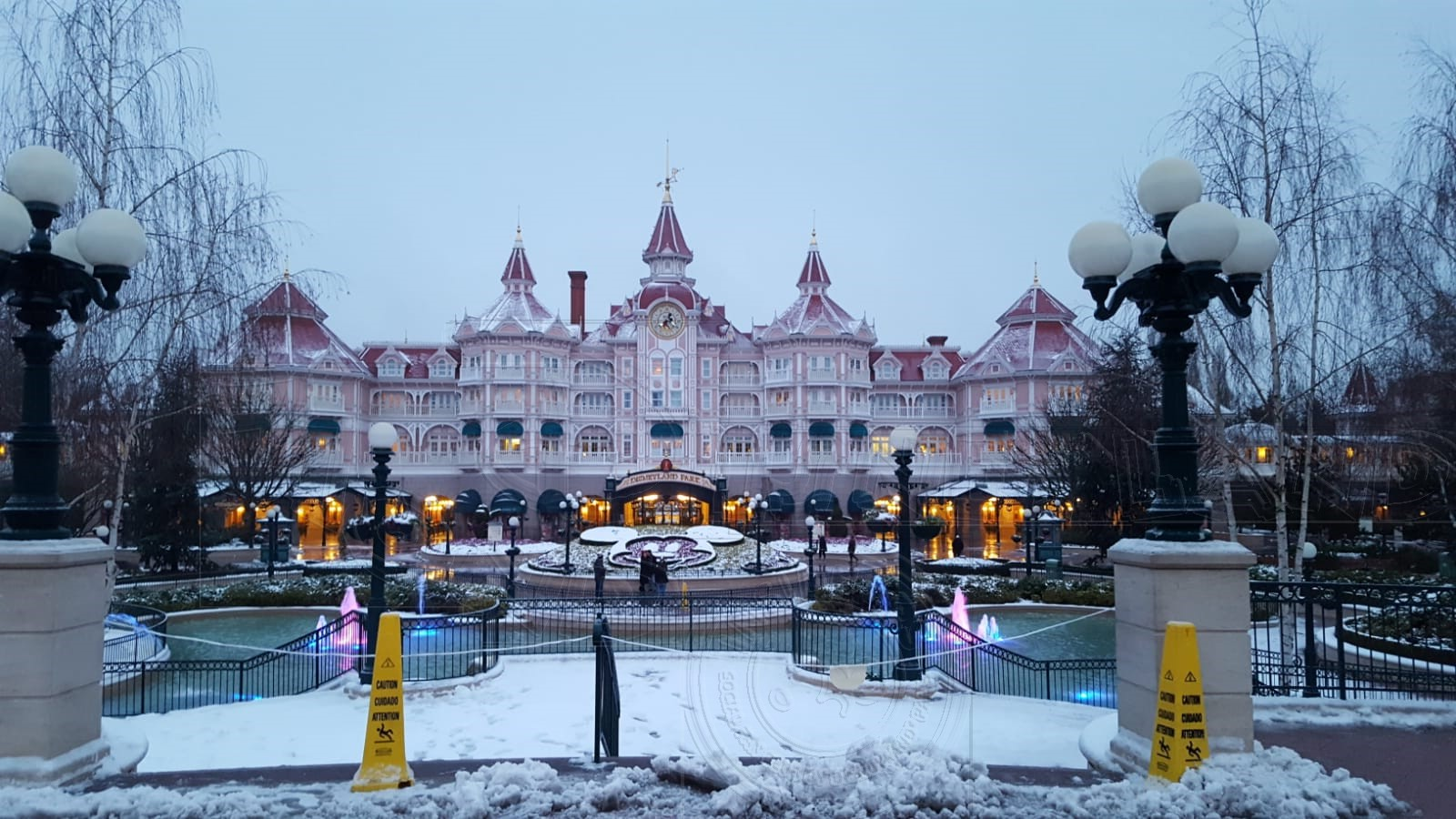 2018 - Disneyland Paris sotto la neve - Pagina 4 01neve27