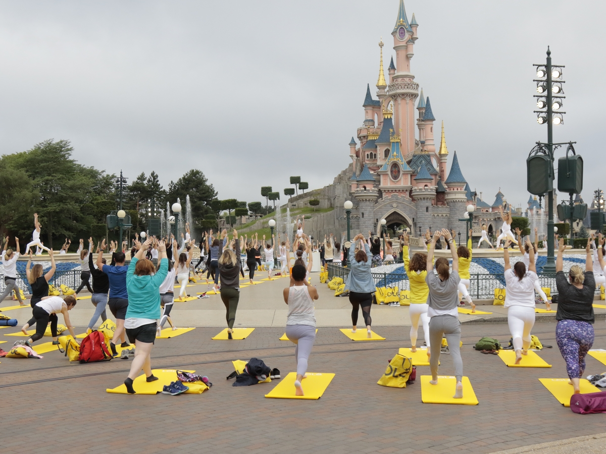 Yoga Day : un corso di yoga a Disneyland Paris !  026yog10