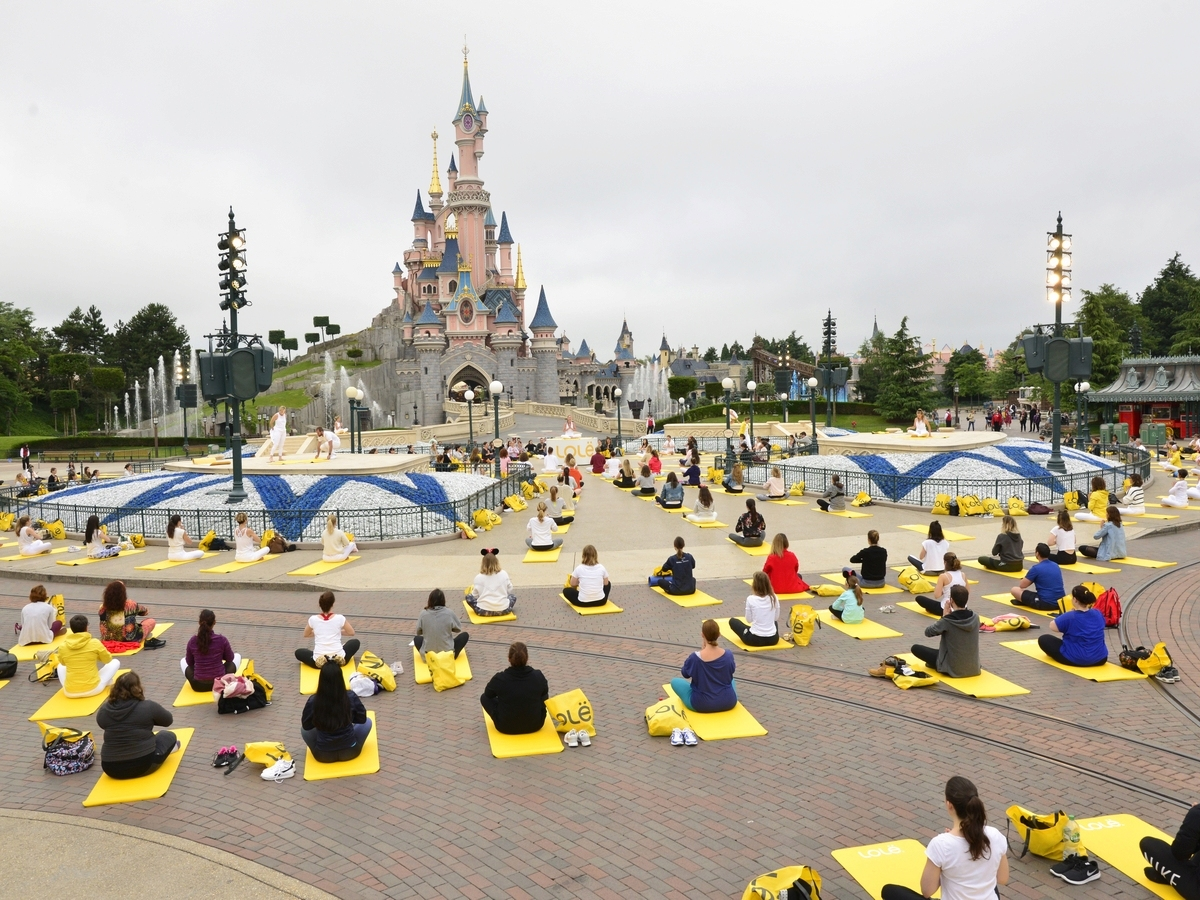 Yoga Day : un corso di yoga a Disneyland Paris !  027yog10