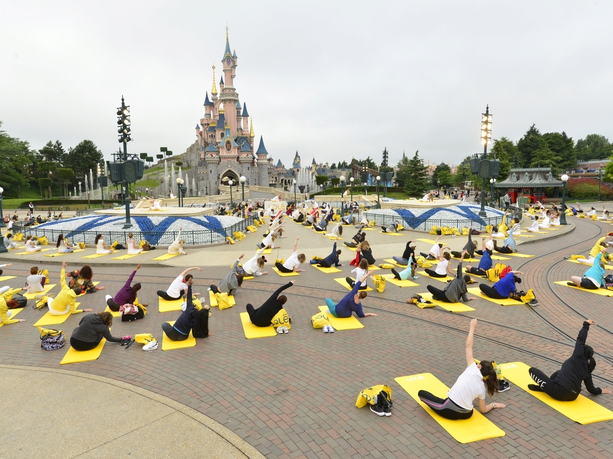 Yoga Day : un corso di yoga a Disneyland Paris !  028yog10