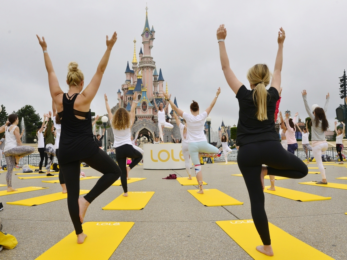 Yoga Day : un corso di yoga a Disneyland Paris !  029yog10