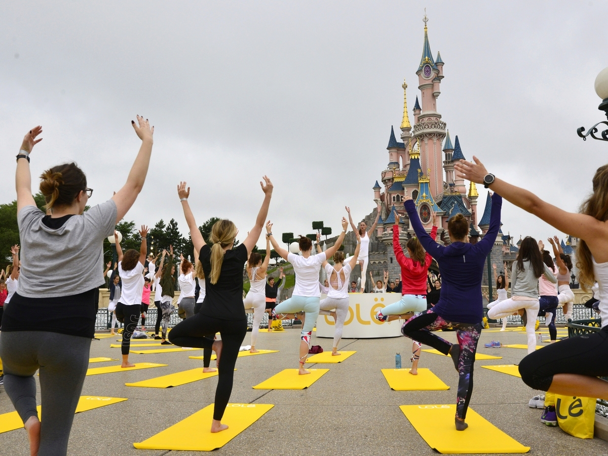 Yoga Day : un corso di yoga a Disneyland Paris !  030yog10