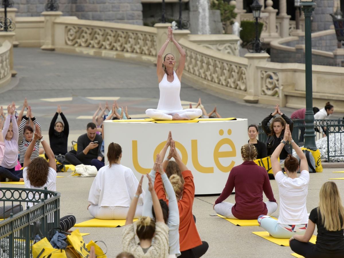 Yoga Day : un corso di yoga a Disneyland Paris !  031yog10