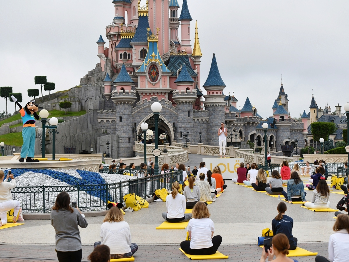 Yoga Day : un corso di yoga a Disneyland Paris !  035yog10