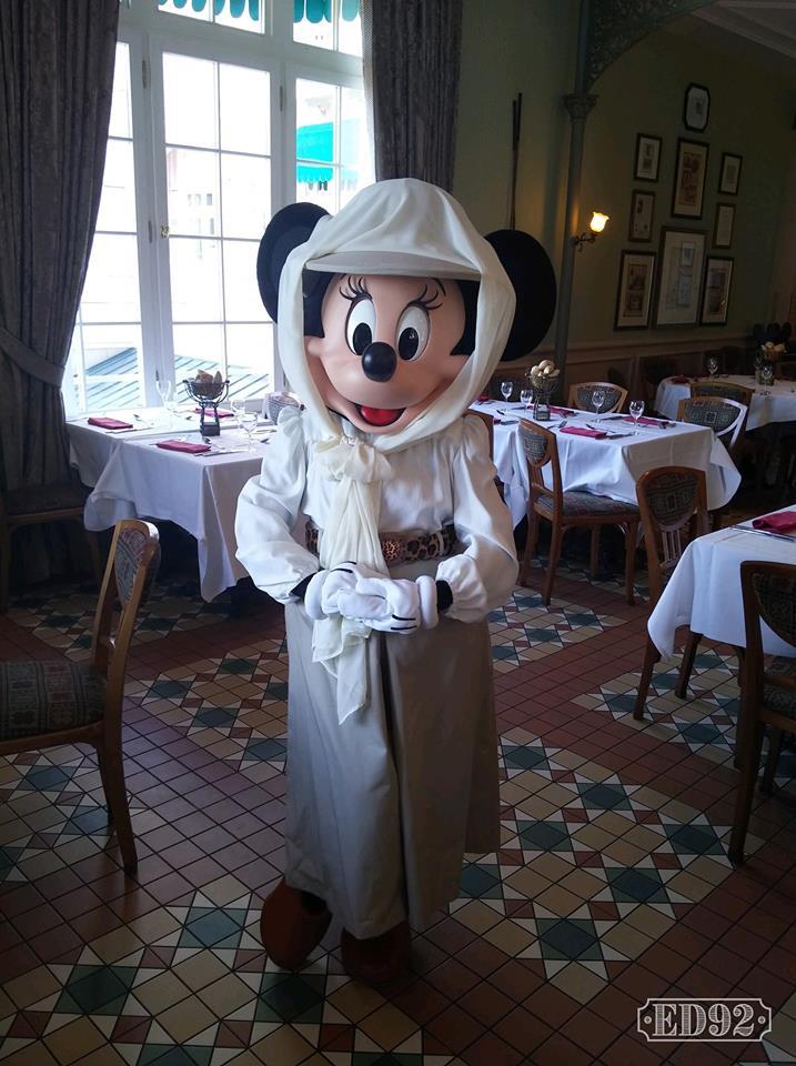 Brunch domenicale al Disneyland Hotel 41413710