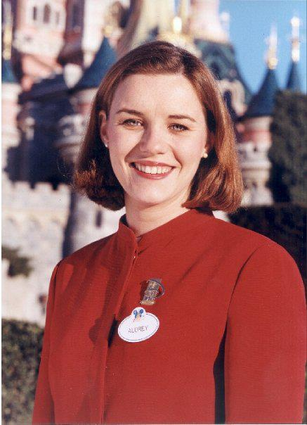 La storia degli Ambasciatori di Disneyland Paris 53714710