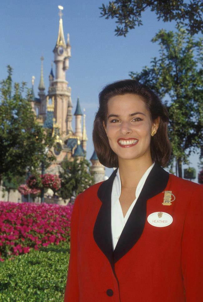 La storia degli Ambasciatori di Disneyland Paris 54148210