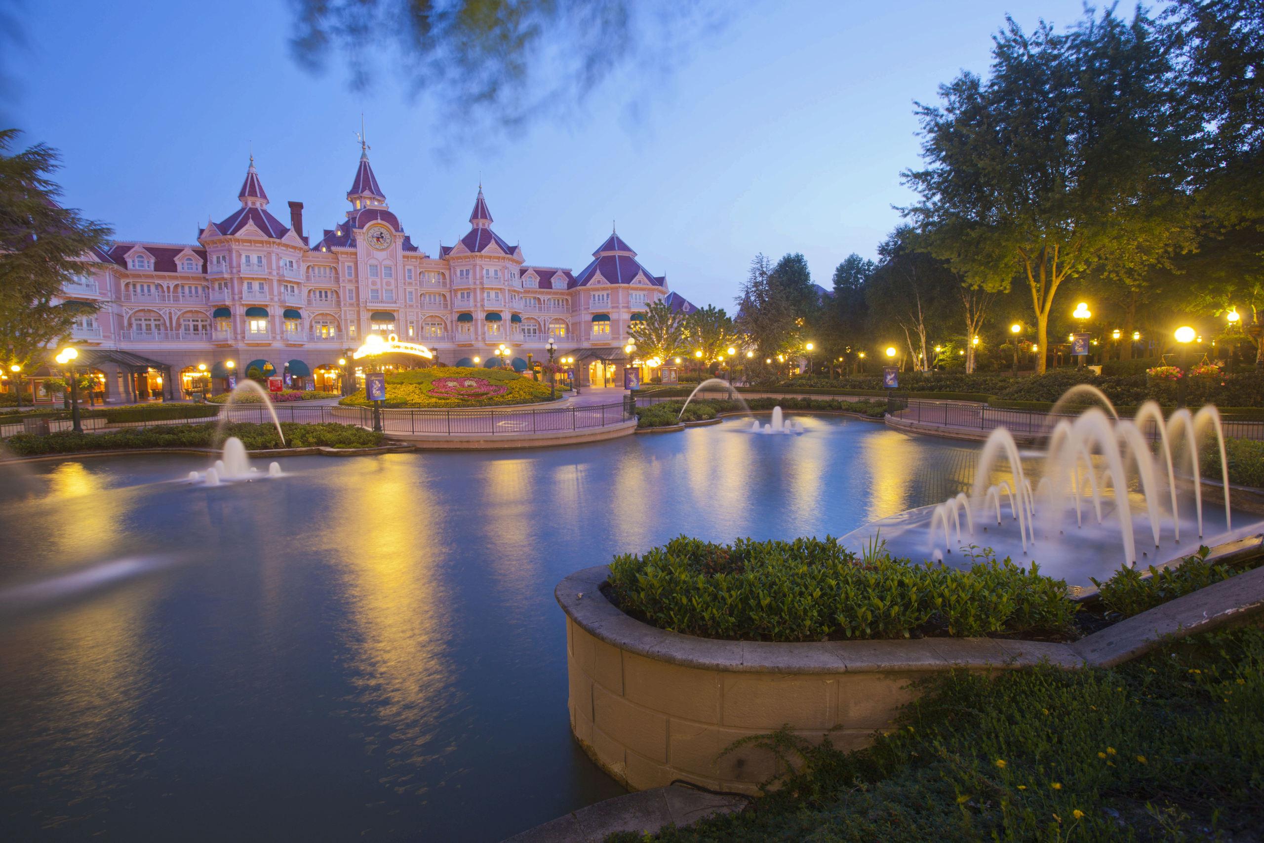Riapertura di Disneyland Paris - Pagina 2 Disney41