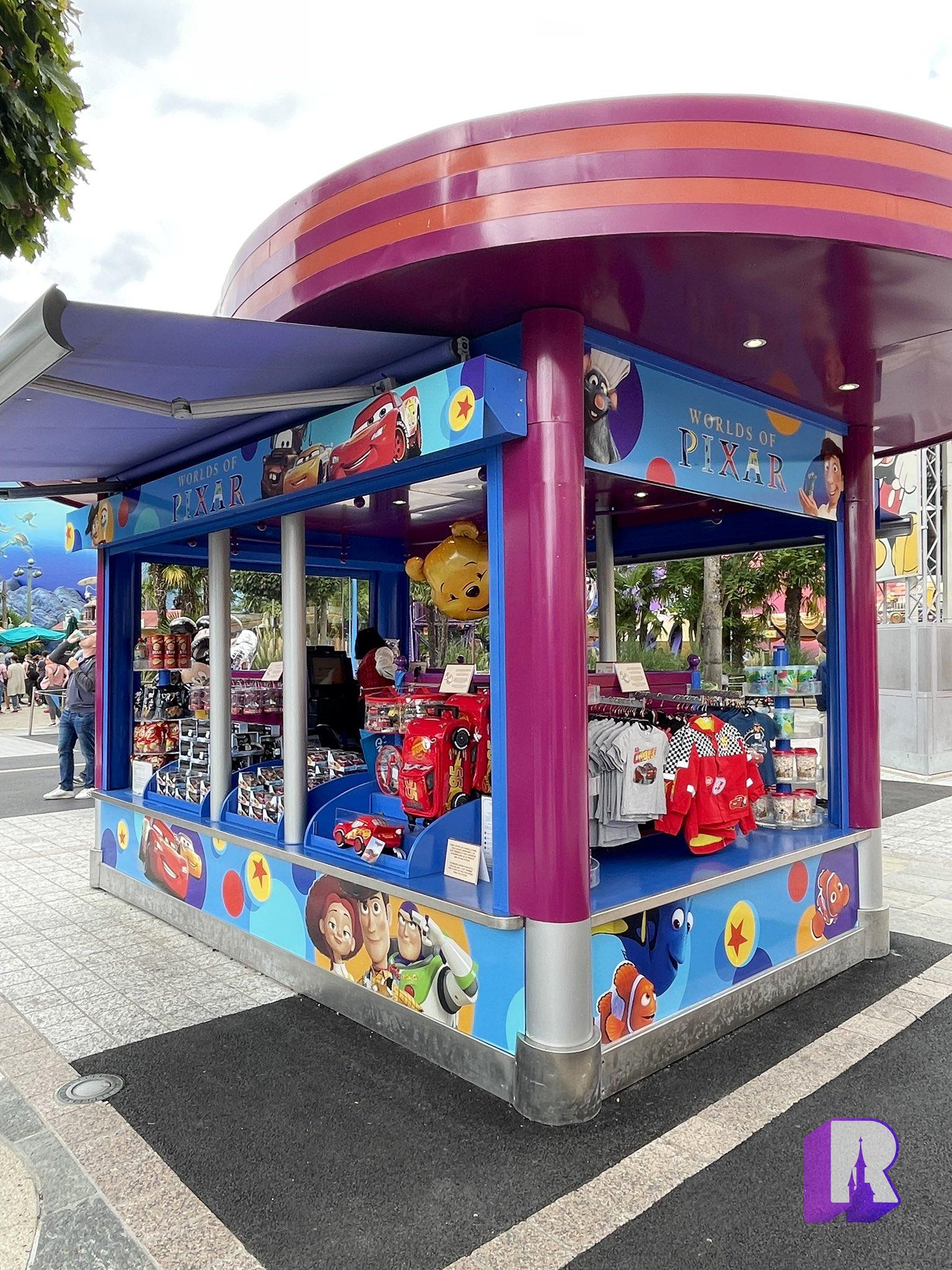 2021 - World of Pixar E9zkgs11