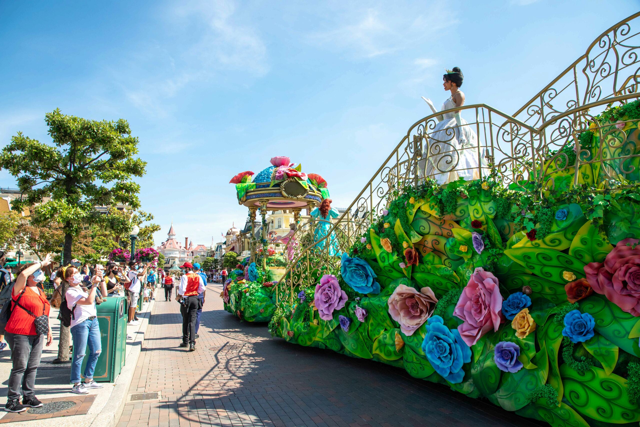Riapertura di Disneyland Paris - Pagina 12 Enchan10