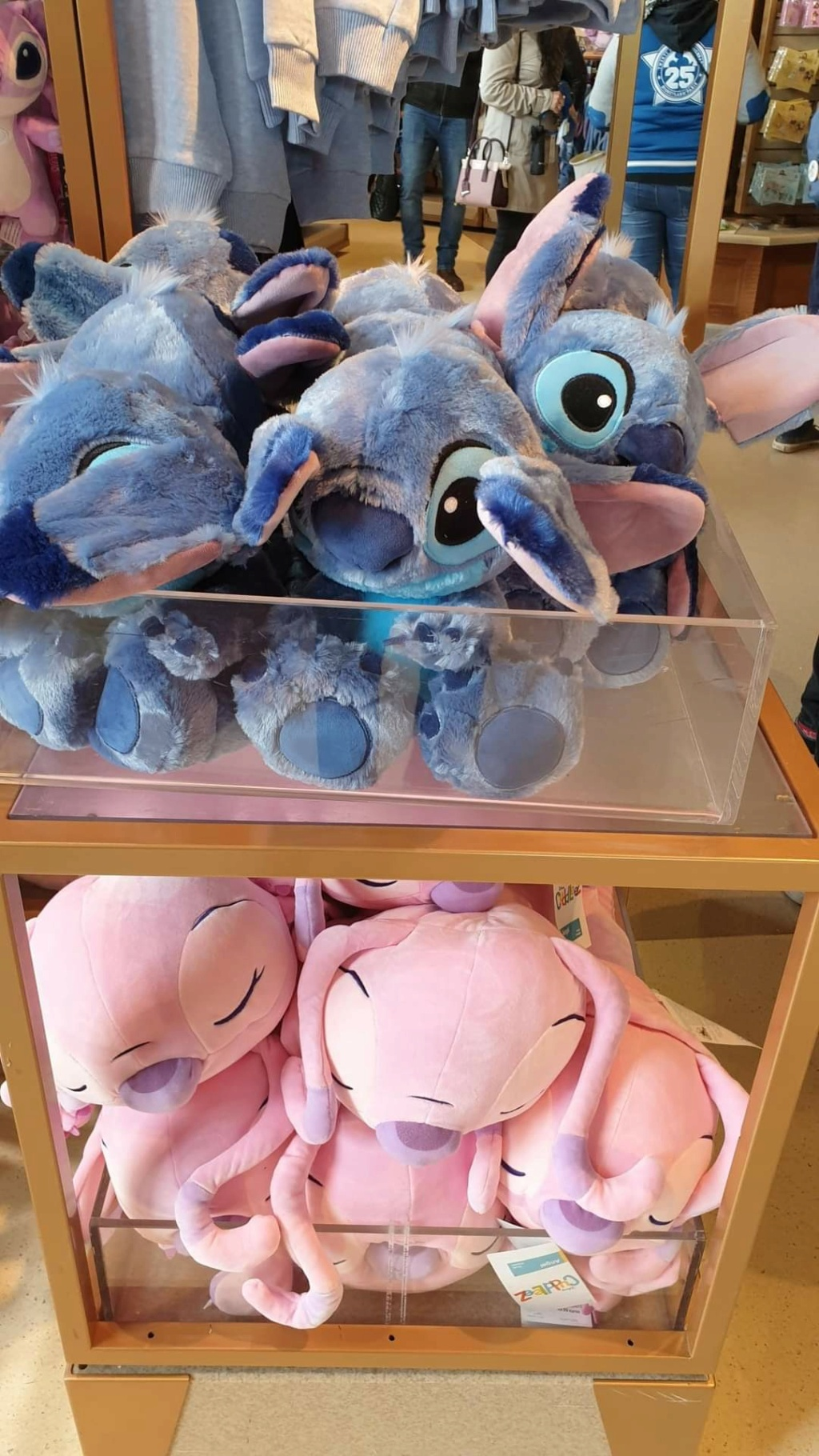 Novità dal Disney Village - Pagina 4 Fb_im179