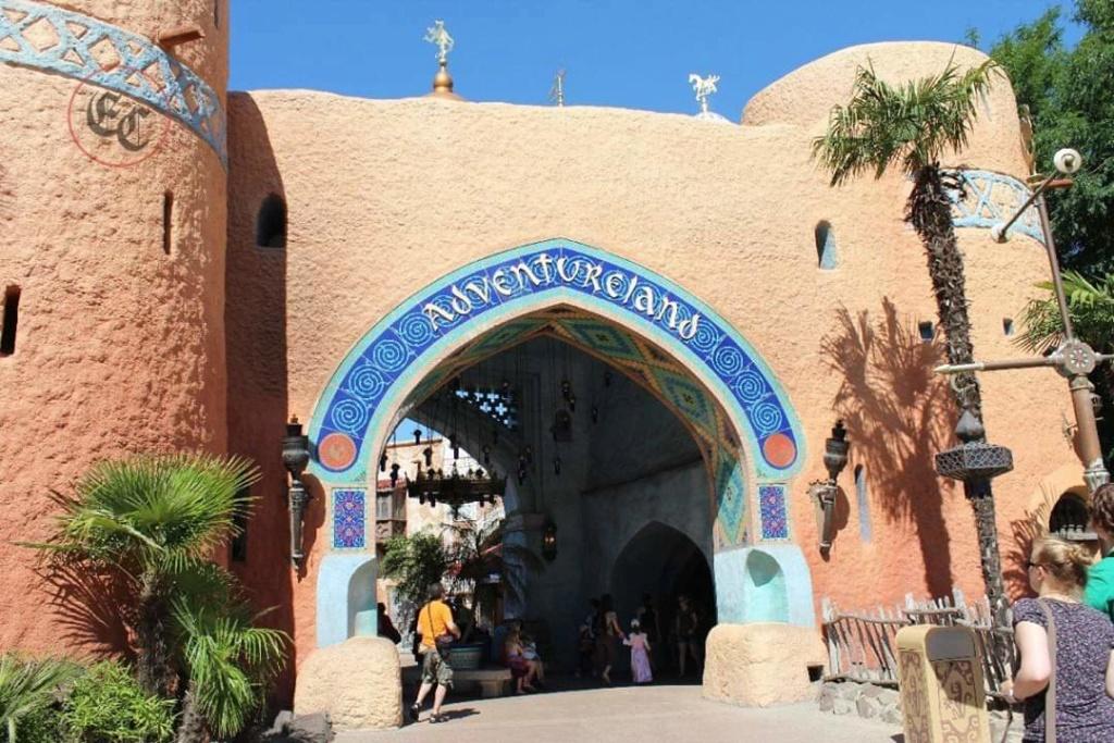 Curiosità e piccoli segreti al Disneyland park - Pagina 3 Fb_img24