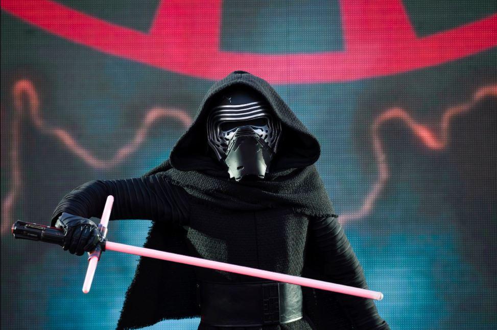 2020 - Légendes de la Force : une Célébration Star Wars Kylo_110