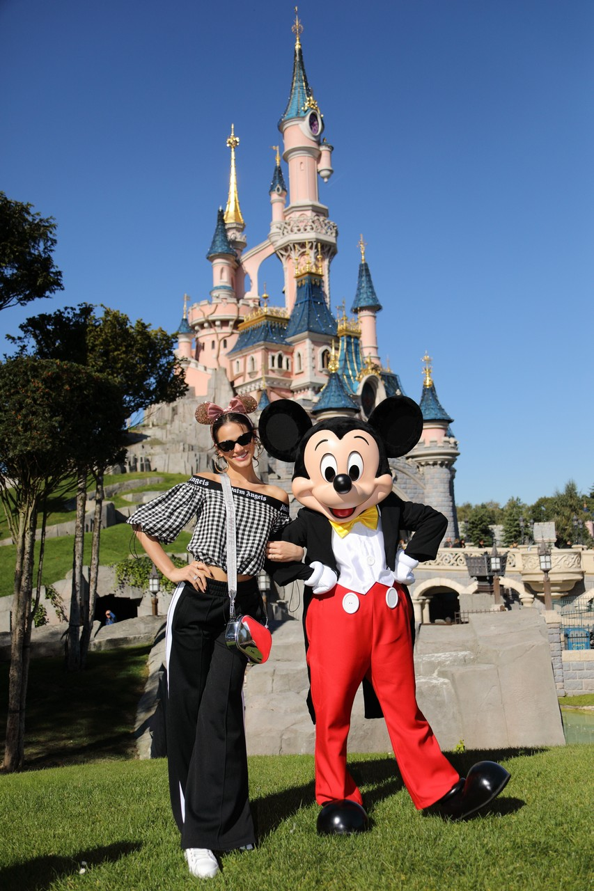 Personaggi famosi che fanno visita a Disneylanbd Paris Neym0210