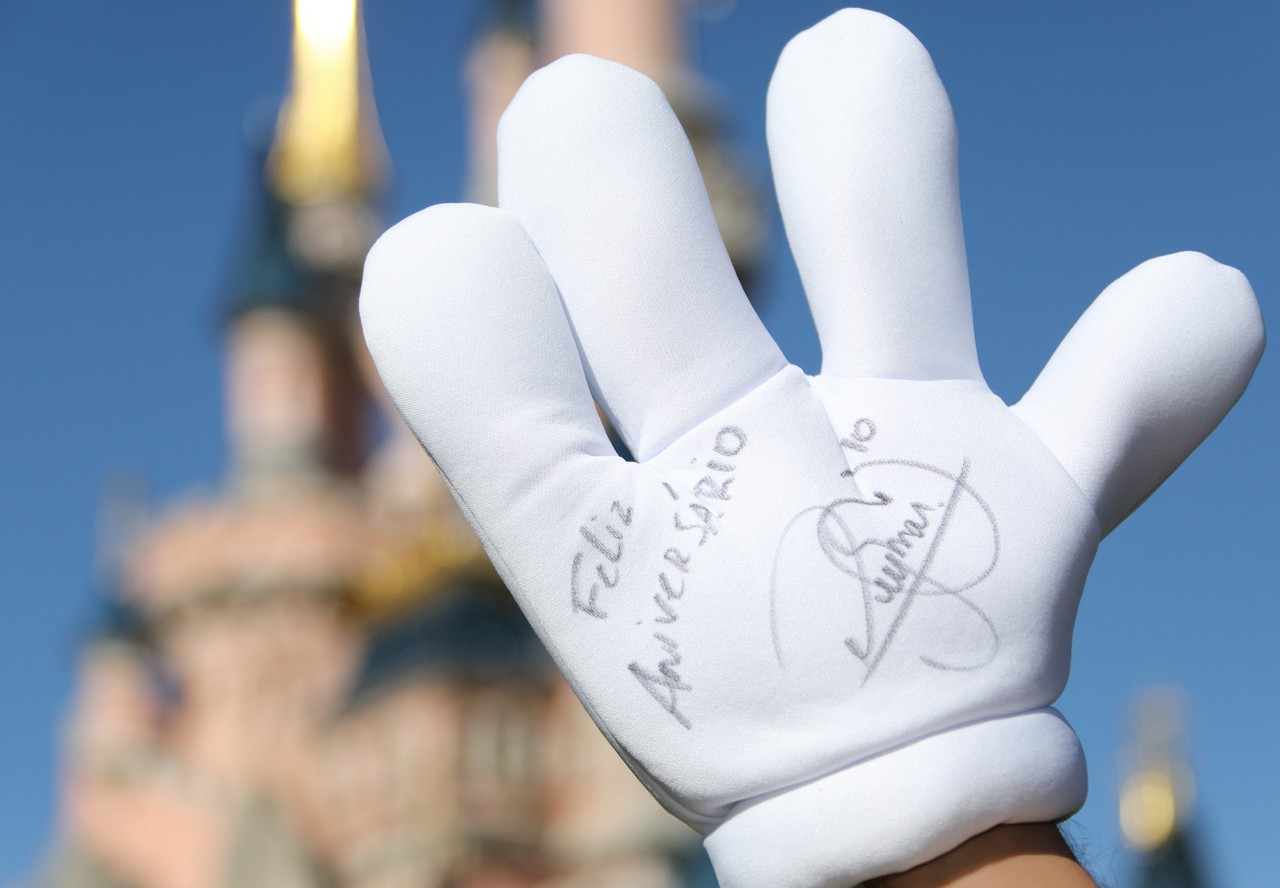 Personaggi famosi che fanno visita a Disneylanbd Paris Neym0410