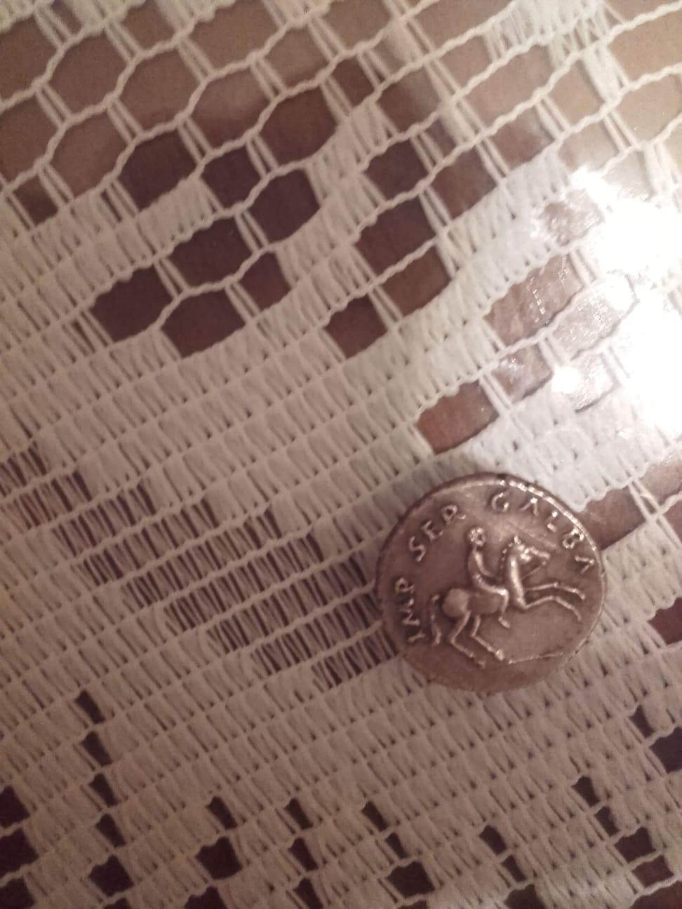 Reproducción actual de denario de Galba. Img-2010