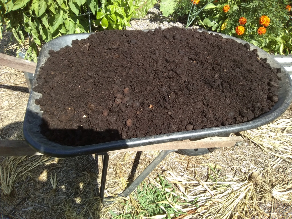 Tips for compost tumbler - Page 3 Comple10